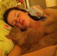 """Өдөрт 22 цаг унтдаг бүсгүй """"Цасан гоо"""" хэмээх өвчин туссан байжээ"""
