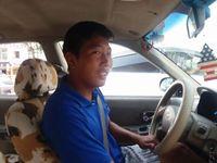 Таксинд эд зүйлээ мартсан залууд жолооч 700,000 төгрөгтэй хэтэвчийг эргүүлэн өгчээ