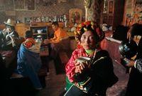 Инжээ харамлаж ганц бэртэй болдог Төвд ёс